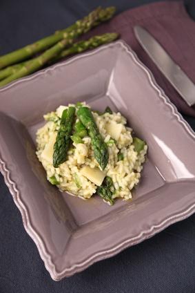 Notre recette printanière : un risotto crémeux aux asperges